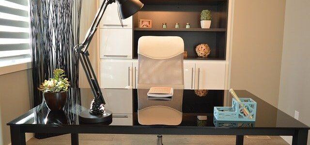 direktorski pisarniški stoli